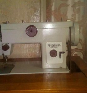 Швейная машинка Чайка 134