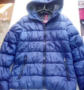 Фирменная зимняя куртка. ХОРОШЕЕ КАЧЕСТВО!