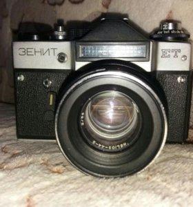 Фотоаппарат Зенит (ссср)