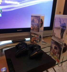Sony Playstation 3 Slim (два геймпада + игры)