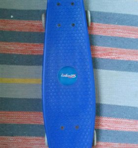 Скейт синего цвета
