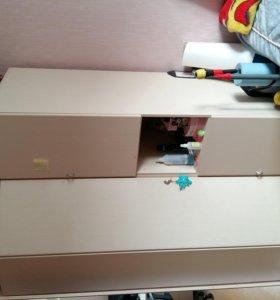 Шкаф, цвет слоновой кости.