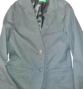 Пиджак школьный beneton 9-10 лет