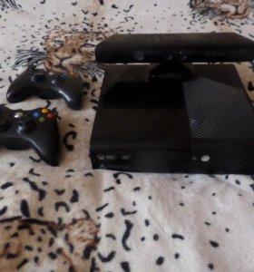 Прошитый Xbox 360 E 500G+2 джойстика+сенсор Kinect