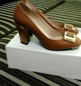 Туфли (носили 1 раз)