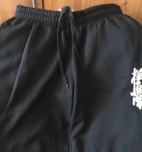 Спортивные штаны с чинденом (кекусинкай каратэ)