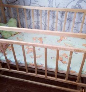 Кроватка с матрасиком,подушечкой и клеенкой