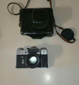 Продаём фотоаппарат Zenit-e