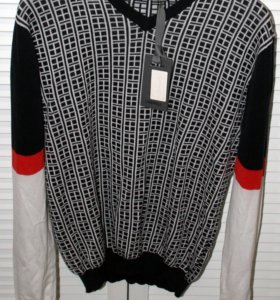 Новый пуловер Lagerfield