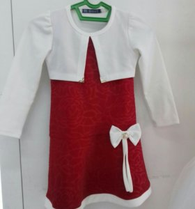 Платье красное на 4-5 лет