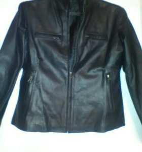 Куртка женская-натуральная кожа Новая