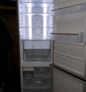 Холодильник LG.No-frost. Могу привезти.