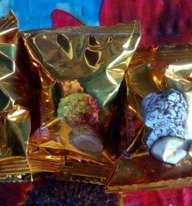 Шоколадные конфеты с орехом и начинкой поштучно