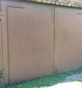 Гаражные ворота (распашные)