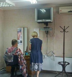 Магазин и парикмахерская