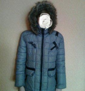Куртка зимняя с капюшоном 38р-р.
