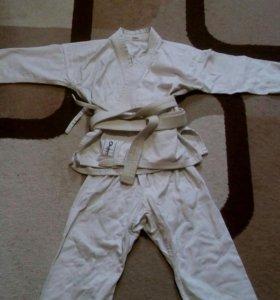Продам кимоно для карате(для ребёнка)