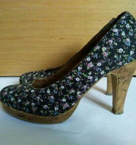 Туфли на высоком каблуке tamaris