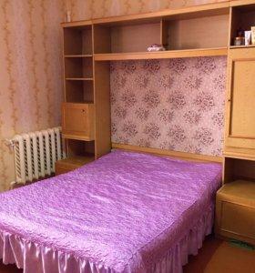 Спальный гарнитур и матрас