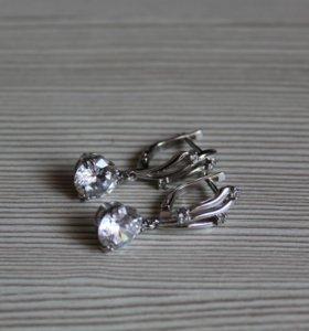 Новые серебряные серьги с фианитами