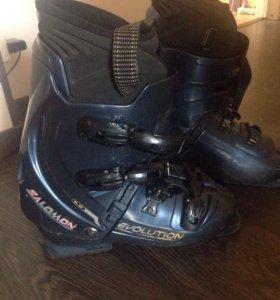 Продам ботинки для горных лыж salomon