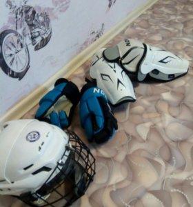 Комплект зашиты для хоккея