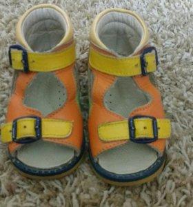 Ортопедическая обувь для девочки сандалии.