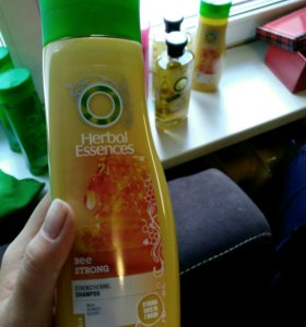 Шампуни и бальзам Herbal Essences