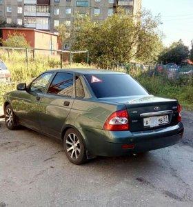 Автомобиль Lada priora.