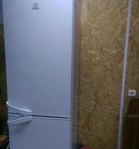 двухкамерный двухметровый холодильник Indesit