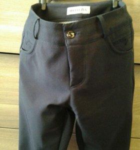 Темно синие брюки для девочки