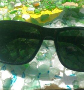 Новые Черные очки .