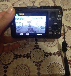 Цифровой фотоаппарат Sony Lens G