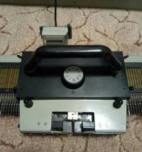 Вязальная машинка ручная Нева-3