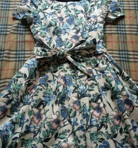 Новое платье LUSIO размер M