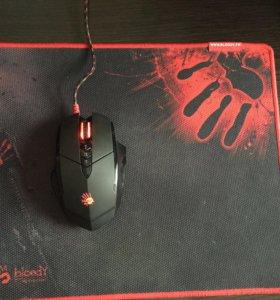 Компьютерная мышь и коврик Bloody