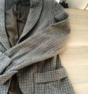 Твидовый теплый пиджак фирмы benetton