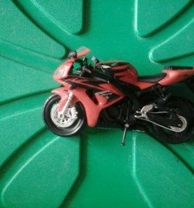 Мотоцикл для кукол