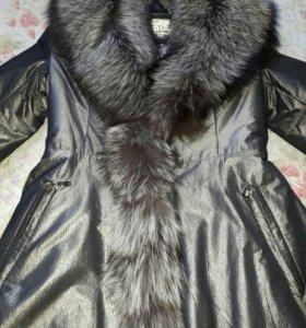 Шикарное пальто 46.Отделка натуральный песец.