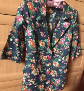 Пиджак новый,ткань имитация джинса