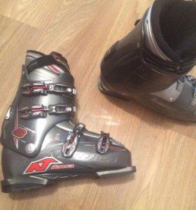 Мужские лыжи и ботинки