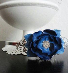 Ободок с цветком из полимерной глины.