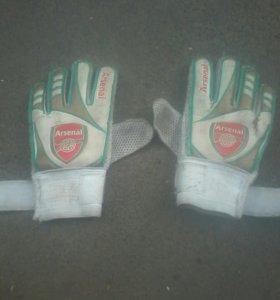 Перчатки Arsenal б/у