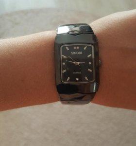 Новые часы в пленке