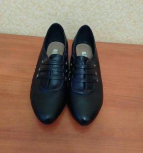 Туфли новые 38р.