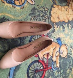Туфли натуральная кожа бежевые лодочки