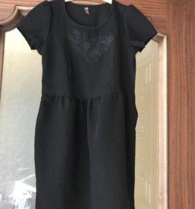 Платье школьное ( новое)