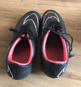 Бутсы Nike HyperVenom (41 EUR)