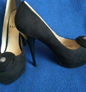 Туфельки черные