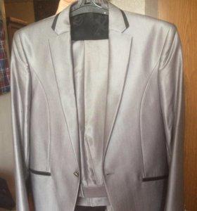 Стильный классический костюм мужской